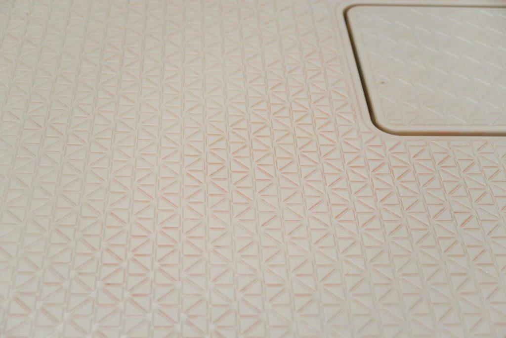 浴室の床の汚れの正体は?